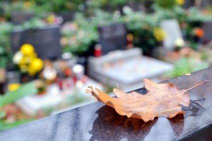 Feuille monument funéraire