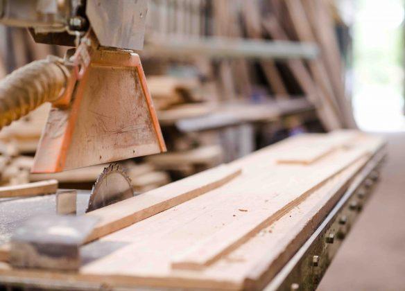 Une fabrique artisanale de cercueils